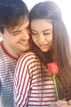 Photo pour Couple amoureux portant des chemises assorties - image libre de droit