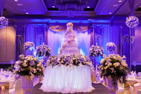 Photo for Wedding Banquet. The vases are decorated with beautiful furniture. - Royalty Free Image