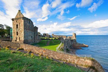 Photo pour Ruines du château de St Andrews, Fife, Écosse, Royaume-Uni - image libre de droit