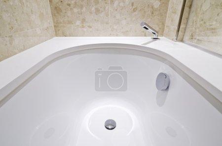 Bath tub detail