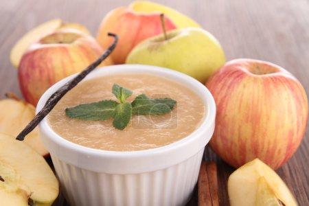 delicious apple sauce