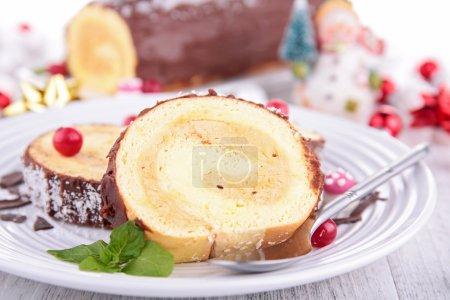 Swiss roll, yule log