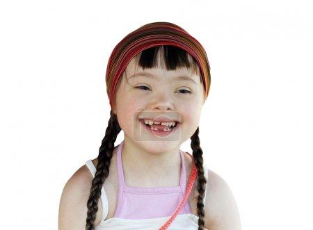 Photo pour Portrait de fillette heureuse isolée sur le blanc - image libre de droit