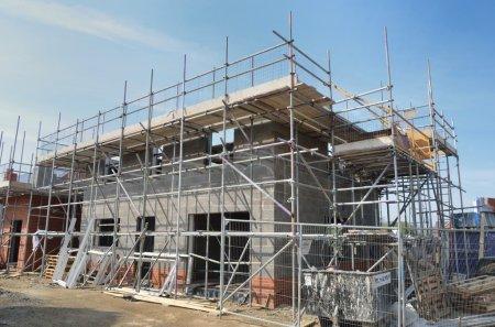 Photo pour Maison en construction - image libre de droit