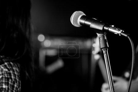 Photo pour Microphone au live studio record - image libre de droit