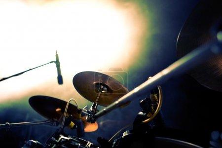 Photo pour Tambour sur fond de stage.music - image libre de droit