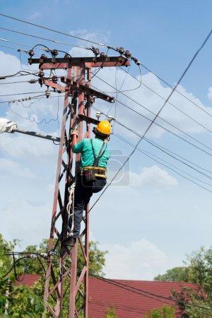 Repair man repair electrical installations
