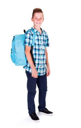 Photo pour Étudiant en chemise bleue et sac à dos prêt à retourner à l'école - image libre de droit