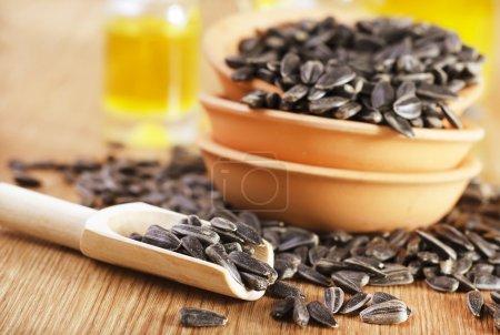 Foto de Aceite y semillas de girasol - Imagen libre de derechos