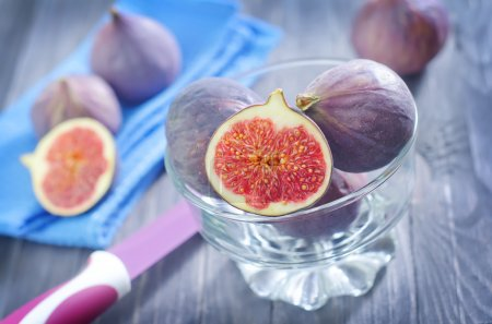 Fresh figs in a bowl...