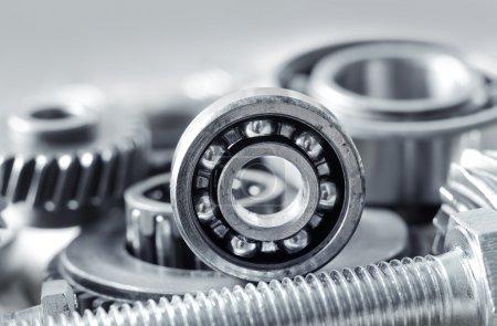 Photo pour Cliquets mécaniques sur une table - image libre de droit