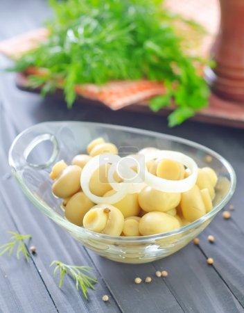 Tasty champignon in bowl