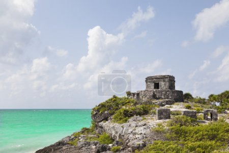 Photo for Ancient Mayan ruins of Tulum in Caribbean sea, Mexico - Royalty Free Image