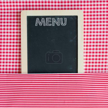 Photo pour Un tableau de carte de menu sur fond de Vichy. espace pour le texte. - image libre de droit