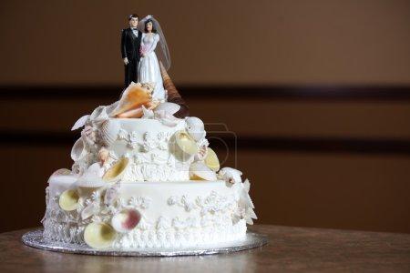 Photo pour Gâteau de mariage - luxe, design cher - image libre de droit