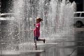 Hraní ve vodě fontány - toronto, Kanada