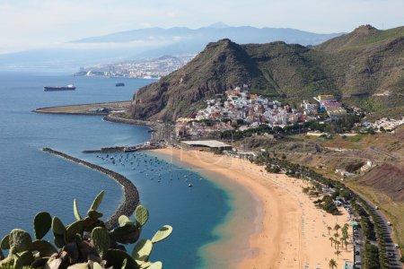 Photo pour Playa de las teresitas, une célèbre plage près de santa cruz de Ténérife, dans le nord de tenerife, îles Canaries, Espagne - image libre de droit
