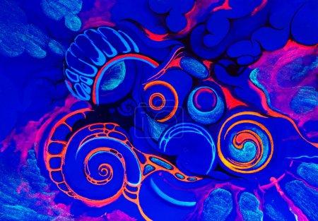 Foto de Resumen de dibujo en luz fluorescente sobre un fondo azul - Imagen libre de derechos