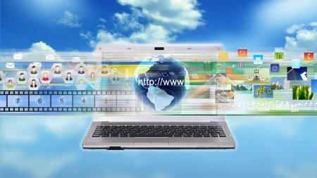 Photo pour Portable Internet multimédia de partage et de travail - image libre de droit