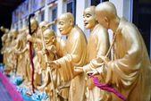 10 mil monasterio budas