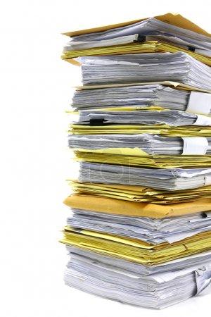Photo pour Gros plan pile de papier sur fond blanc - image libre de droit
