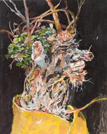 withered flowers in a vase
