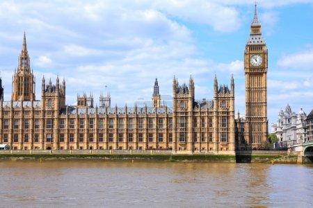 Photo pour Londres, Royaume-Uni Palais de Westminster (Chambres du Parlement) avec tour de l'horloge Big Ben. Site du patrimoine mondial de l'UNESCO . - image libre de droit