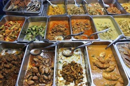 Photo pour Marché alimentaire à bangkok, Thaïlande. tout ce que vous pouvez manger choix buffet. - image libre de droit