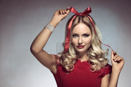 funny christmas shoot of blonde woman