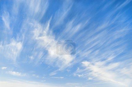 Photo pour Ciel d'hiver - image libre de droit
