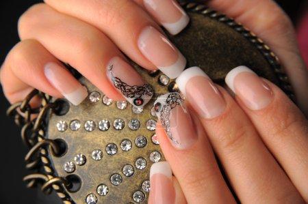 Photo pour Manucures beau modèle sur ongles - image libre de droit