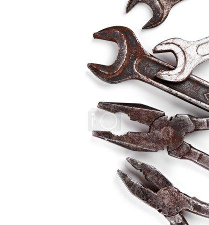 Photo pour Vieux outils à main isolés sur fond blanc - image libre de droit