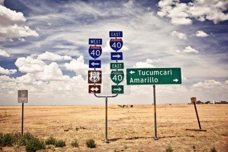 Foto de Señales de cruce ruta 66 en adrian, texas - Imagen libre de derechos