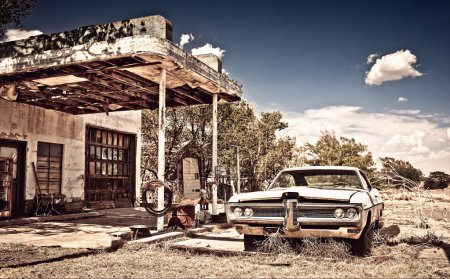Abandoned restaraunt on route 66 in New Mexico