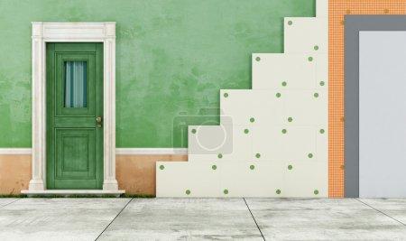 Foto de Aislamiento térmico de una casa antigua con paneles de poliestireno - Imagen libre de derechos