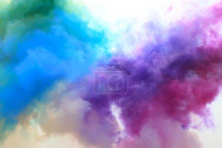 Photo pour Fumée colorée dans le ciel - image libre de droit