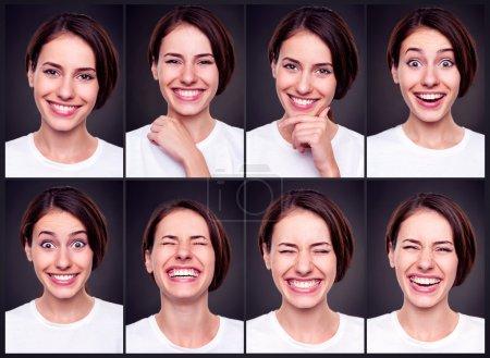 Photo pour Ensemble de jolie femme heureuse sur fond foncé - image libre de droit