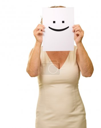 Photo pour Femme mature tenant sourire signe isolé sur fond blanc - image libre de droit