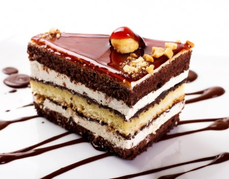 Photo pour Gâteau sucré isolé sur fond blanc - image libre de droit