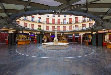 Photo pour Valencia plaza redonda est une tour carrée du vieux centre d'Espagne - image libre de droit