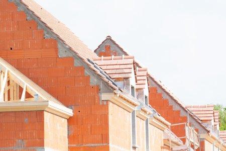 maison de briques en construction