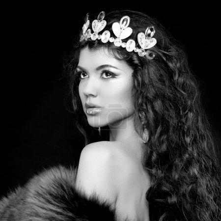 Luxury portrait. Woman with jewelry and coronet. B...