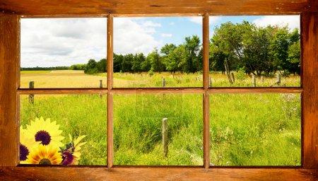 Landschaft aus dem Fenster gesehen.