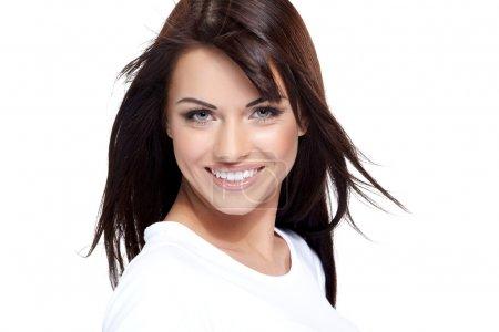 Photo pour Glamour jeune femme en chemise blanche sur fond blanc - image libre de droit