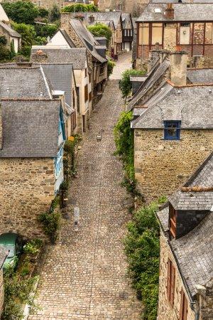 Photo pour Vue sur la ville de Dinan, Bretagne, France - image libre de droit
