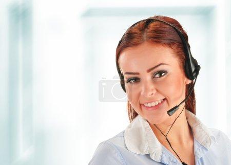 Foto de Operador de centro de llamadas. atención al cliente. Helpdesk. - Imagen libre de derechos