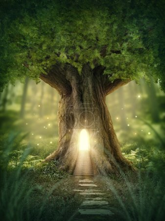 Photo pour Fantasy tree house with light in the forest - image libre de droit