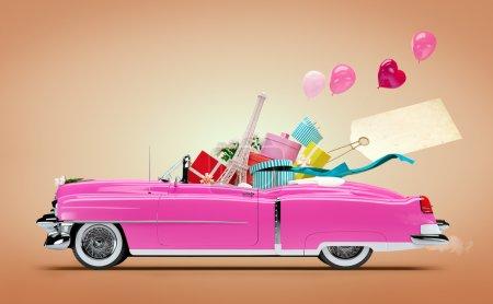 Photo pour Voiture rétro avec des achats et des boîtes de mode. Shopping Car - image libre de droit