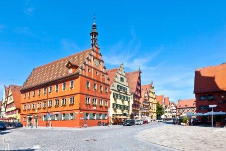 Photo pour Célèbre vieille ville médiévale romantique de Dinkelsbuehl en Bavière, Germay . - image libre de droit