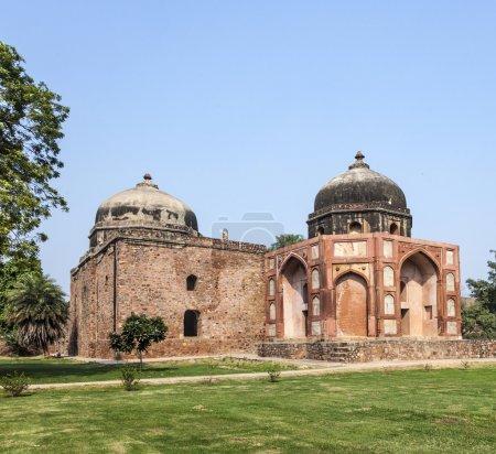 Photo pour Inde, Delhi, tombeau de Humayun, construit par Hamida Banu a commencé en 1565-72 A.D. le premier exemple de l'influence persane dans l'architecture indienne - image libre de droit